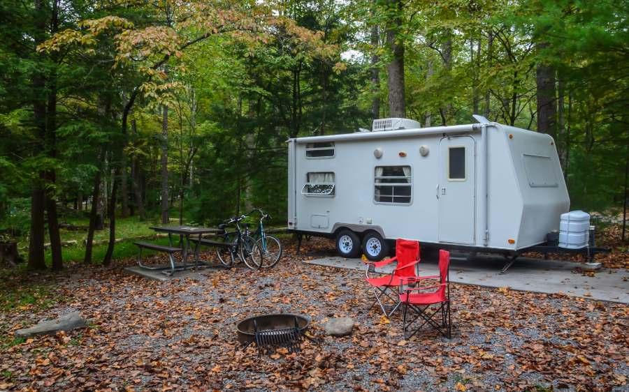 È ancora possibile il campeggio libero? Cosa prevede la normativa